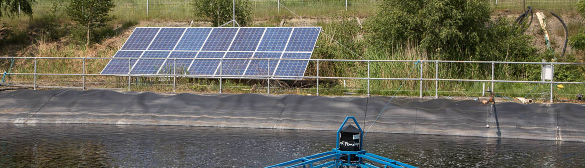 Off grid solar array and aerator